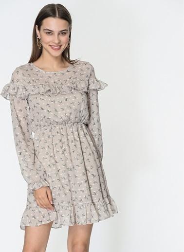 Loves You Robası Volanlı Yaprak Desenli Şifon Crep Elbise Bej